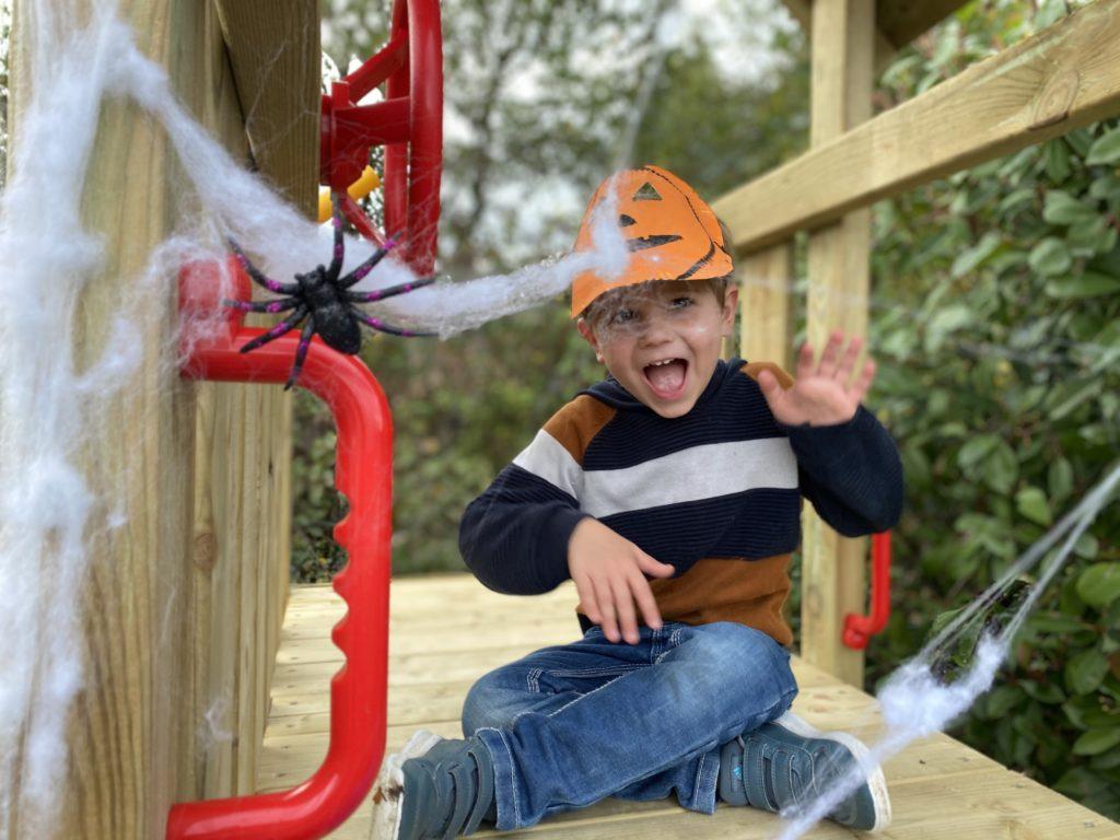 des aires de jeu extérieurs pour enfant